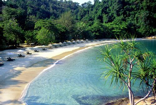http://perak.attractionsinmalaysia.com/img/photoState/perak/PulauPangkor/1.jpg